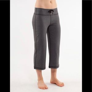 Lululemon Relaxed Fit Crop size 6